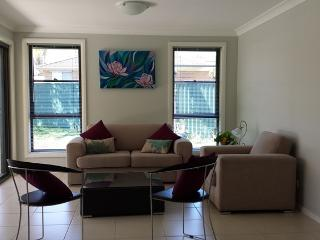 Sydney Amazing Holiday Home Bridal BnB - Macquarie Fields vacation rentals