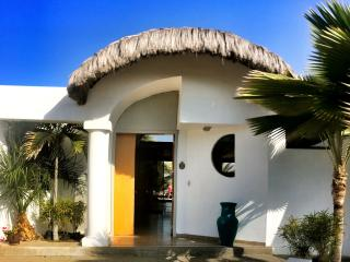 Bright 3 bedroom House in Punta Blanca with Deck - Punta Blanca vacation rentals