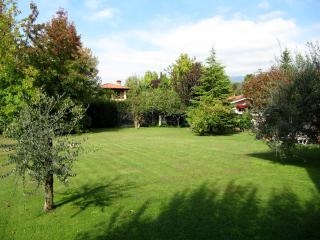 """APPARTAMENTO IN VILLA """"ROBE DEL BORGO"""" F.DEI MARMI - Forte Dei Marmi vacation rentals"""