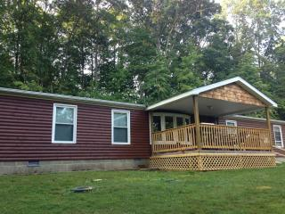 Bobcat 1st Choice Cabin Rental Hocking Hills Ohio - Nelsonville vacation rentals