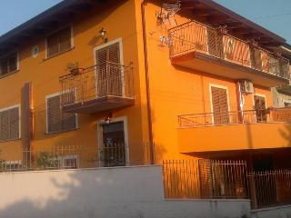 Bright 7 bedroom Capaccio Bed and Breakfast with Internet Access - Capaccio vacation rentals
