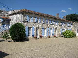 Nice Bed and Breakfast with Internet Access and Wireless Internet - Saint Simon de Pellouaille vacation rentals