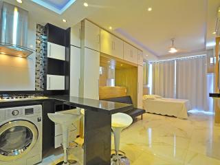 Luxury studio accommodation with ocean view! C040 - Rio de Janeiro vacation rentals