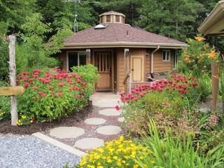 Romantic Cottage with Internet Access and Microwave - Gettysburg vacation rentals