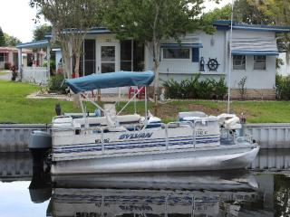 Waterfront Front Rental With Pontoon Boat, Dock an - Leesburg vacation rentals