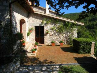 CERRO COTTAGE - Spoleto vacation rentals