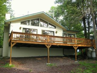 Beautiful Lakefront Chalet - Tobyhanna vacation rentals