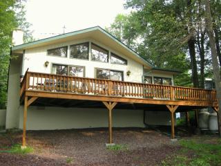 Beautiful Lakefront Chalet - Pennsylvania vacation rentals
