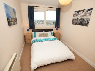 SAFE & SECURE Apartment (Tube 1 min) + FREE WiFi - Essex vacation rentals