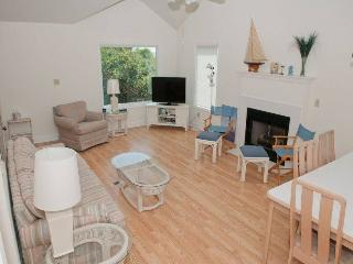 Spacious House with Internet Access and Linens Provided - Salter Path vacation rentals