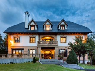San Sebastian Elegant palace privet forets - Oiartzun vacation rentals