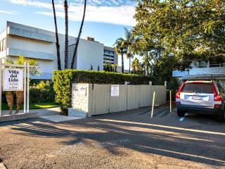 Beautiful Luxury Condo located 5 minutes walking from beautiful La Jolla Shores - La Jolla vacation rentals
