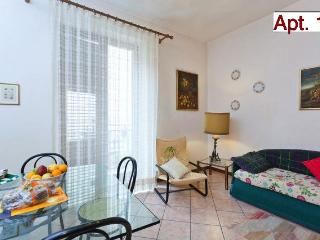 Elegant 2-roomed Apartment in Palermo Centre (16) - Palermo vacation rentals