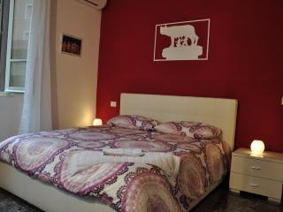 Stylish Apt Prati-San Pietro -- METRO A Lepanto - Rome vacation rentals