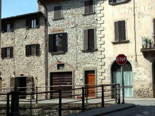 2 bedroom House with Television in Gaiole in Chianti - Gaiole in Chianti vacation rentals