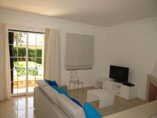 Comfortable 2 bedroom Townhouse in Albufeira - Albufeira vacation rentals