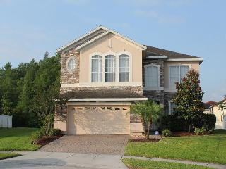 Excellent home, with 6 TVs, PlayStation 3, WiFi, private pool and more! - Orlando vacation rentals