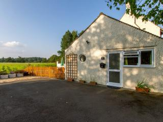 Nice Studio with Internet Access and Satellite Or Cable TV - Bicester vacation rentals