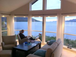 Nice Lodge with Hot Tub and Television - Lofoten Islands vacation rentals