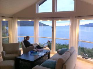 2 bedroom Lodge with Hot Tub in Lofoten Islands - Lofoten Islands vacation rentals