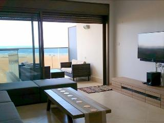 Luxury Ir Yamim Apartment with pool and sea views - EM05KP - Netanya vacation rentals