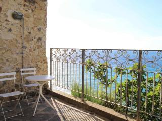 Palazzo Pizzo Residence overlooking the sea - Pizzo vacation rentals