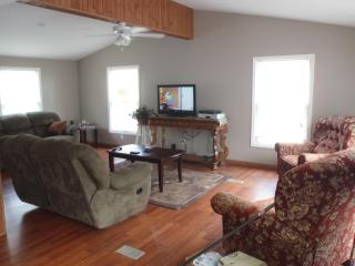 Nice House with Internet Access and Dishwasher - Traverse City vacation rentals
