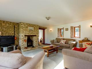 Haycroft stone barn conversion - Witney vacation rentals