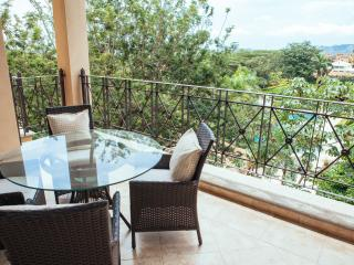 Comfortable 2 bedroom Condo in Tamarindo with Internet Access - Tamarindo vacation rentals