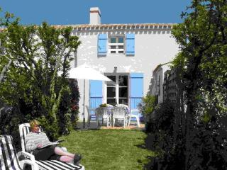Nice House with Internet Access and Television - Noirmoutier en l'Ile vacation rentals