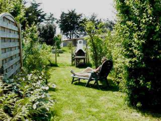 2 bedroom House with Internet Access in Noirmoutier en l'Ile - Noirmoutier en l'Ile vacation rentals