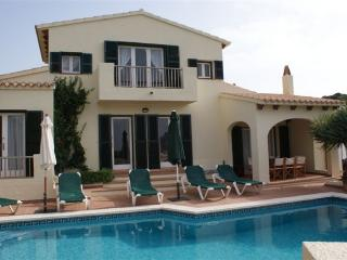Villa with pool & AC & WiFi, Cala Llonga, Menorca - Es Castell vacation rentals