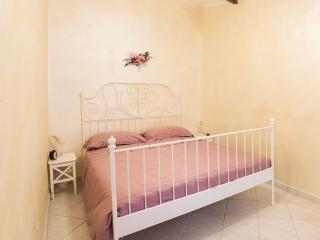 Nice 2 bedroom Tivoli Apartment with Internet Access - Tivoli vacation rentals