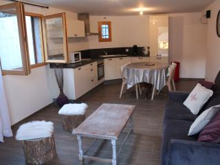 Cozy Cottage with Internet Access and Outdoor Dining Area - Les Sagnieres vacation rentals