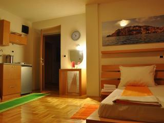 Modern studios in Ohrid 1 - The orange studio - Ohrid vacation rentals