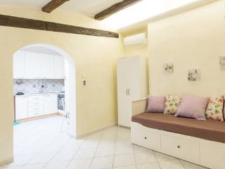 2 bedroom Apartment with Internet Access in Tivoli - Tivoli vacation rentals