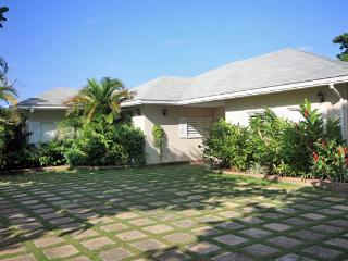 Idleawile - Discovery Bay vacation rentals