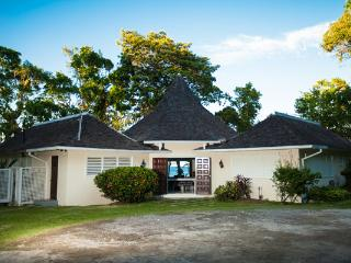 Somewhere - Prospect Plantation 4 Bedrooms - Ocho Rios vacation rentals