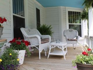 Vacation rental on Wine Trail close to Carbondale - Cobden vacation rentals
