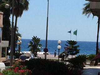 Studio Apartment just off sea front and pedestrian Zone - Nice vacation rentals