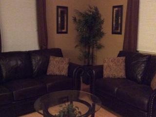 Charming 3bedrooms, 3ba, Large Yard And Pool - Santee vacation rentals