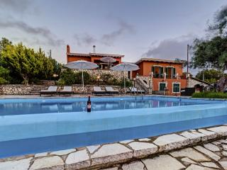 LAST MINUTE OFFER , Privacy near to everything - Lefkas vacation rentals
