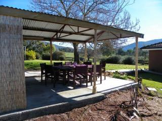 Sweetwater Stays Rural Retreat - Beechworth vacation rentals