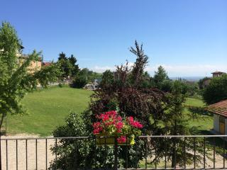 The Green Guesthouse Langhe Barolo Apartment Villa - Barolo vacation rentals