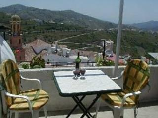 Town centre House with lovely views, sat tv and wifi-  Great winter let rates - Competa vacation rentals