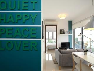 Studio Aljunied Theme - 1 Bedroom Apartment - Singapore vacation rentals