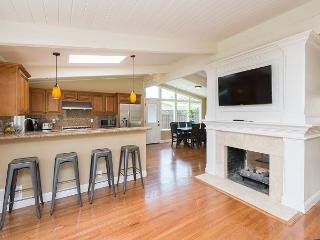 Newly Remodeled House in Palo Alto (30+day rental only) - Palo Alto vacation rentals