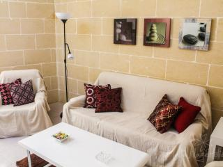 Holiday flat close to the sea (MaltaVillageHolidays) - Marsalforn vacation rentals
