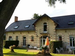 Adorable Cottage in Jarze with Satellite Or Cable TV, sleeps 6 - Jarze vacation rentals