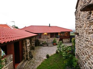 4 bedroom House with Internet Access in Castro Laboreiro - Castro Laboreiro vacation rentals